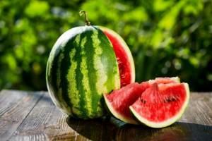 Состав арбуза и его полезные свойства