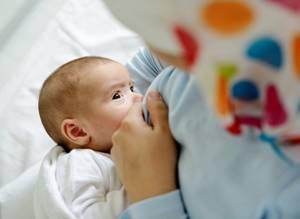 Почему возникает гемолитическая желтуха младенцев?